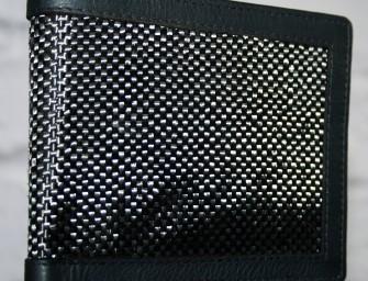 Carbon fibre wallet by Memento Exclusives