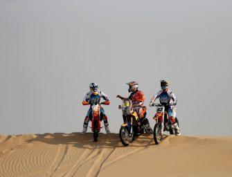 Sunset Sands 2016 – Bulls bash dunes In Abu Dhabi desert