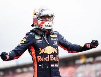 Verstappen extends Aston Martin Red Bull Racing deal