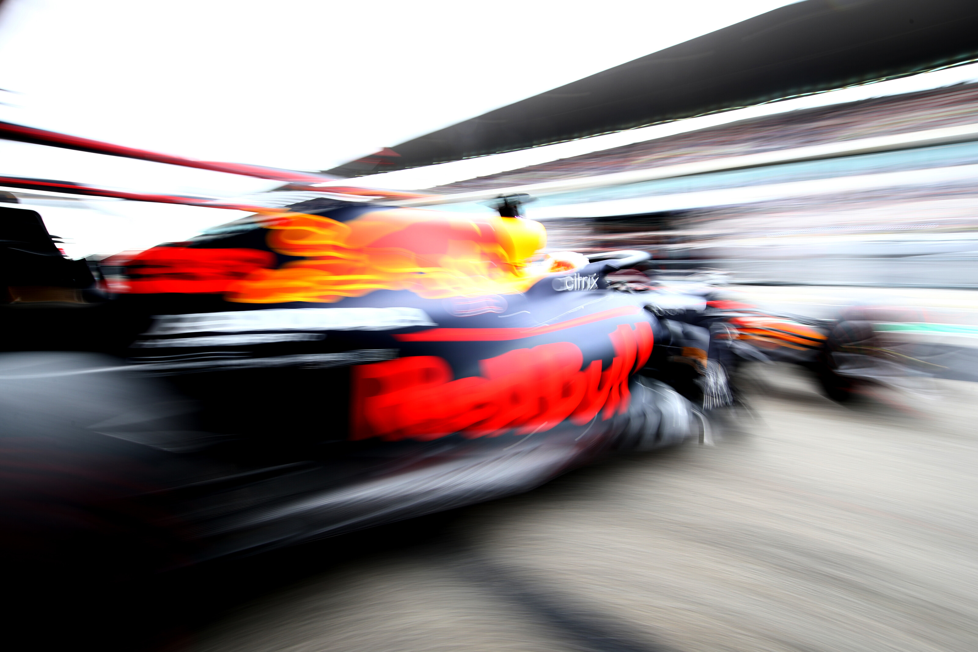 PORTIMAO, PORTUGAL - OCTOBER 25: Max Verstappen of the Netherlands driving the (33) Aston Martin Red Bull Racing RB16 leaves the garage before the F1 Grand Prix of Portugal at Autodromo Internacional do Algarve on October 25, 2020 in Portimao, Portugal. (Photo by Mark Thompson/Getty Images) // Getty Images / Red Bull Content Pool