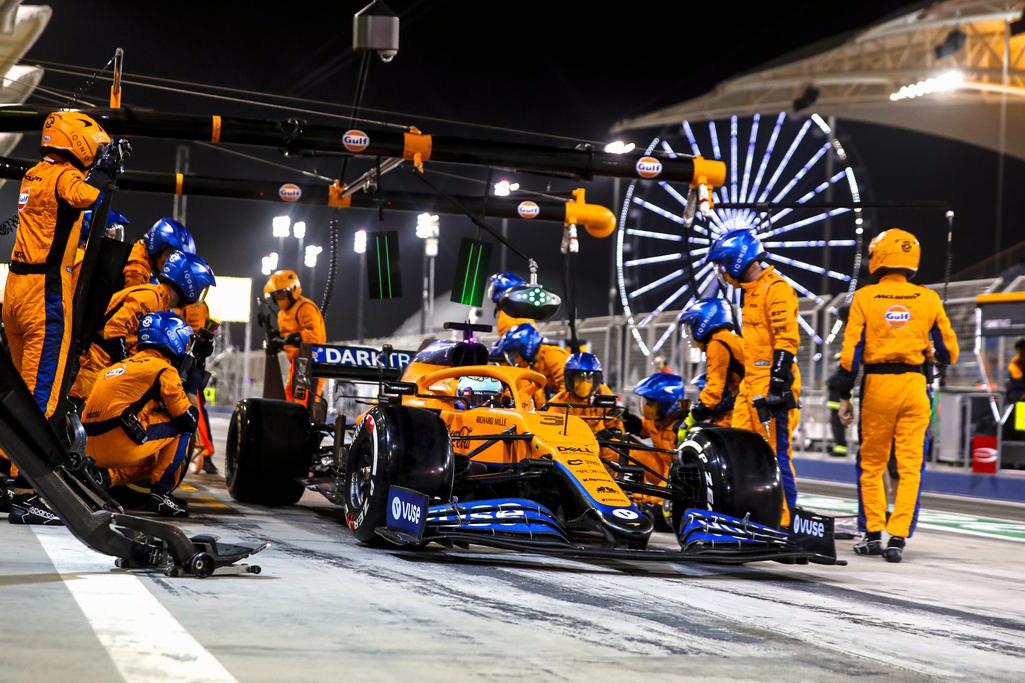 Daniel Ricciardo, McLaren MCL35M, in the pits front on