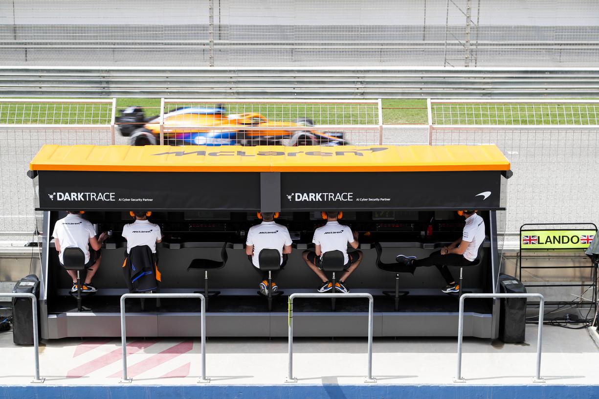 Daniel Ricciardo, McLaren MCL35M driving past the McLaren pit wall