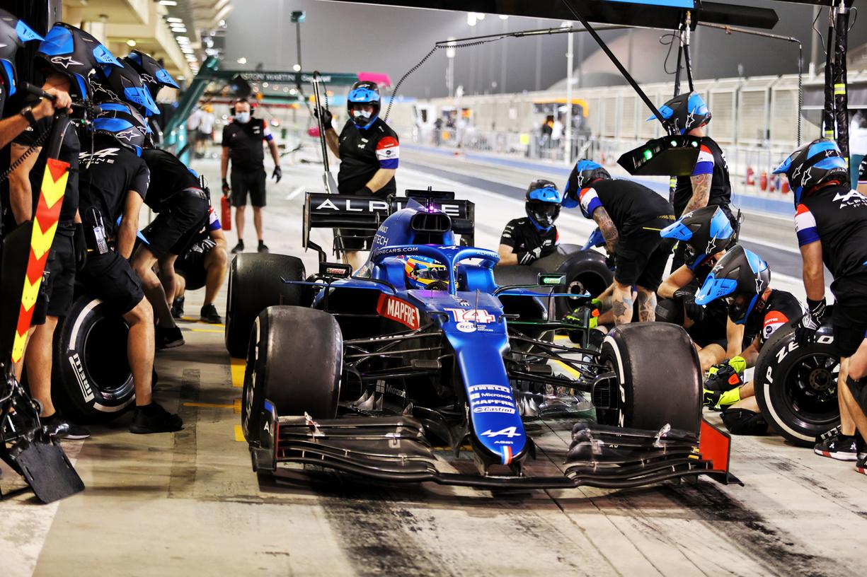 Motor Racing - Formula One Testing - Day Two - Sakhir, Bahrain