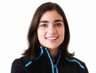 Jamie Chadwick will continue as development driver for Williams in 2021