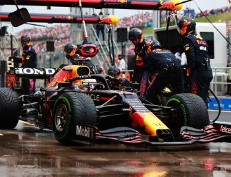 Honda celebrates the 50th race with the Red Bull Racing Team